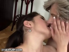 cute daughter fucks mature lesbian woman
