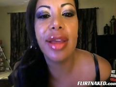 big lips milf show off on web camera