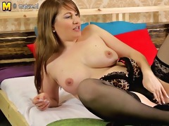 hawt mature mother playing on her bed