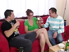 anal loving mama jumps on penis