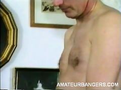 amateur chick grinds on weenie