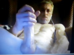 daddy with huge weenie jerking on cam