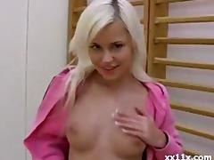stunning 18 year old blond