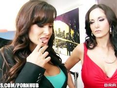 big-tit brunette d like to fuck lisa ann shares