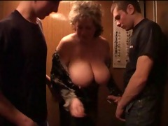 aged bbw with youngers boys in the lift.