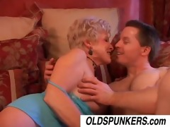 jewel is a sexy cougar who likes to fuck lucky