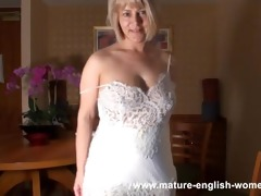 mature english dilettante in girdle &