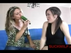 milf gives oral lesson for younger girl