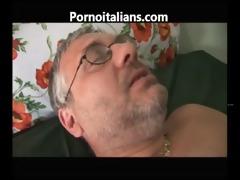porno incesti italiani figlia fa pompino -
