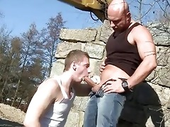 large daddy copulates guy in the ass outdoor