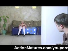 sexy mature d like to fuck caught masturbating