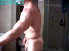 verbal italian bodybuilder shower & cum